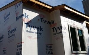 tyvek home wrap seals moisture into homes
