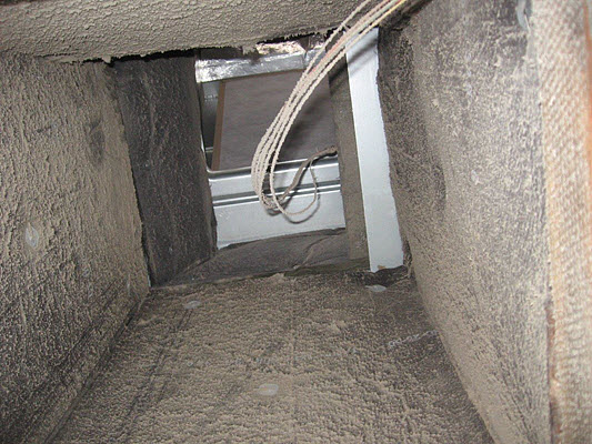 commercial mold removal includes cleaning the ducts
