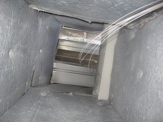 clean duct work at the end of a commercial mold removal project